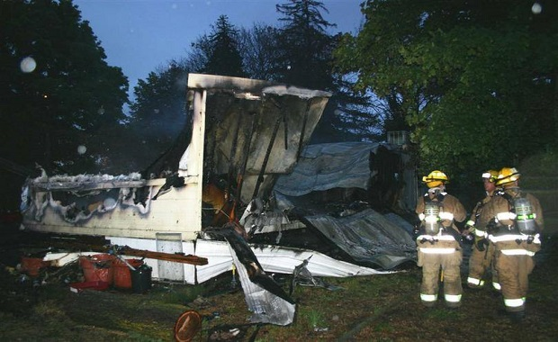 Cat Saves Owner From Mobile Home Fire in Spokane And Then Goes Missing