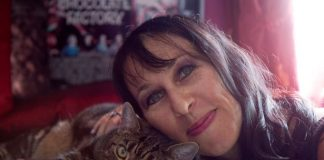 """Woman Claims, """"I Married My Cats After My Last Relationship Ended in Heartache ... """""""