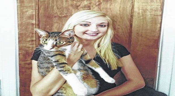 Story of Amanda, UC Student Who Has Single Handedly Saved Hundreds of Cats!