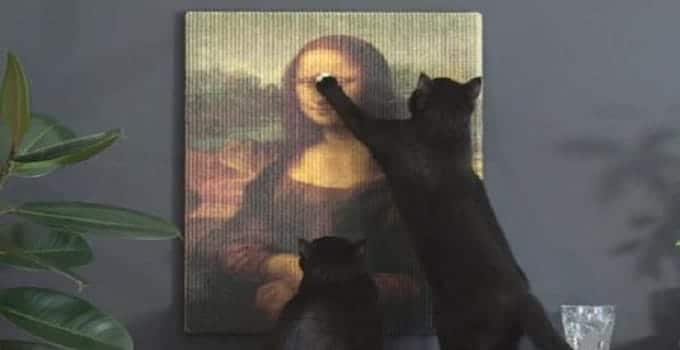 An Exact Replica of the Mona Lisa – FOR YOUR CATS TO SCRATCH!