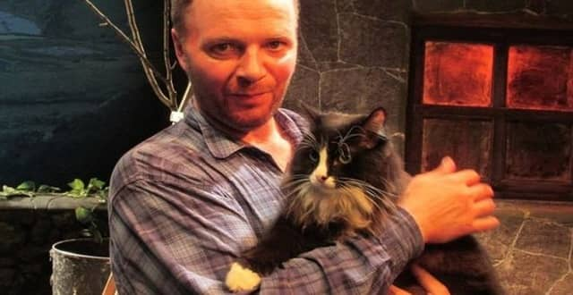 Moscow Hunts for Theatre's Missing Star Cat!