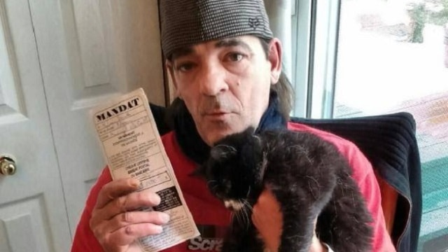 Cat Owner Sent to Jail After Refusing to Give Up His Pets!