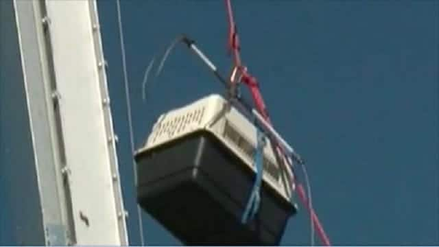 WATCH – Cat Stuck on Colorado Water Tower Has Quite a Bit of Explaining to Do!