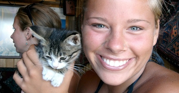 The 12 Reasons Why Cat People Are Crazy Awesome!