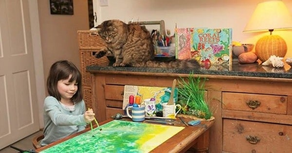 6-Year-Old Girl with Autism Has Unbreakable Bond with Her Cat